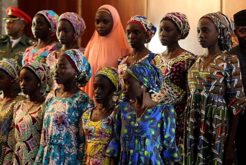 Gadis-gadis di Nigeria. Foto: Reuters/Afolabi Sotunde