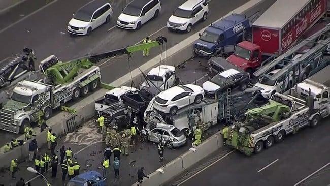 Tabrakan beruntun 100 kendaraan di Texas, Amerika Serikat. Foto: NBC5 via Reuters.