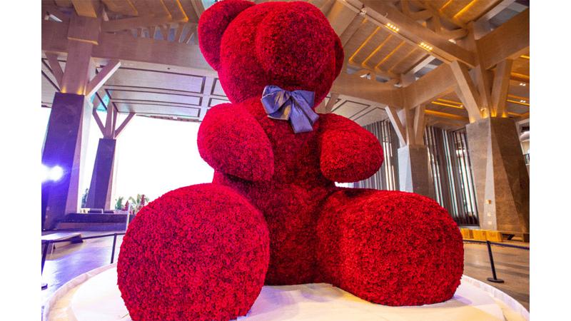 Boneka Beruang Raksasa dari Mawar (foto:Dok. Guinness World Records)