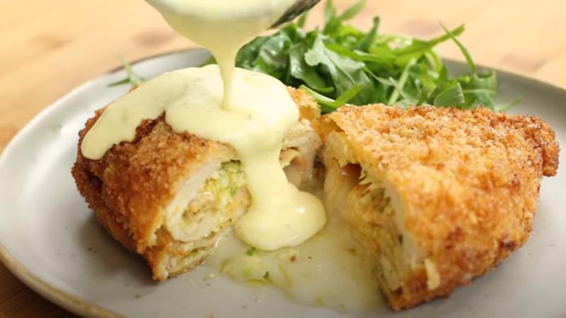 Lezat! Chef Devina Hermawan Bongkar Resep Chicken Cordon Bleu