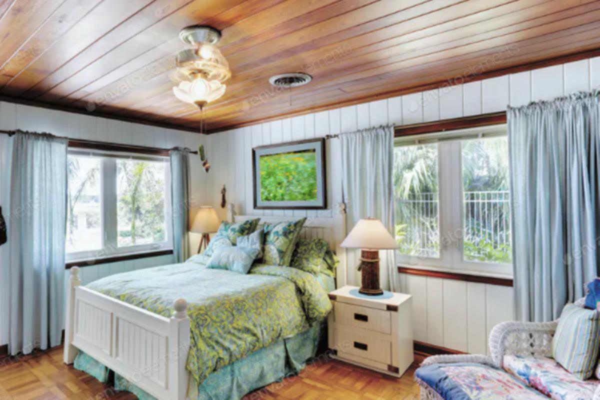 Kamar tidur yang dilengkapi dengan pendeteksi asap (foto: Mint_Images/envato)