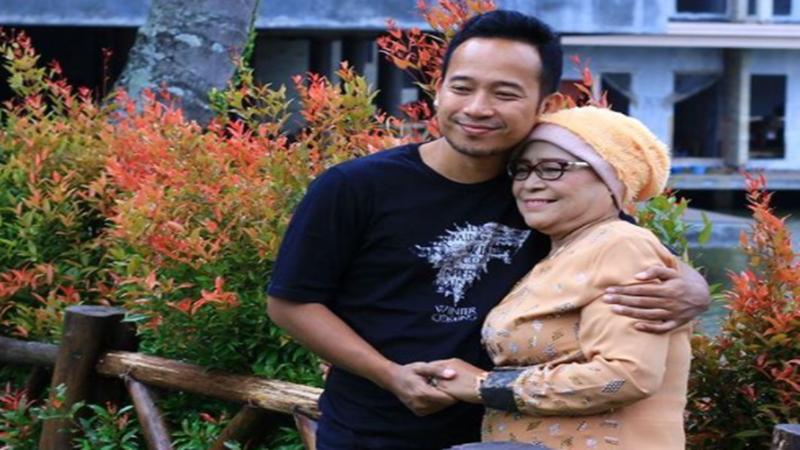 Ibu Denny Cagur Wafat: Mamah Eny Energik Idolakan Atta Halilintar