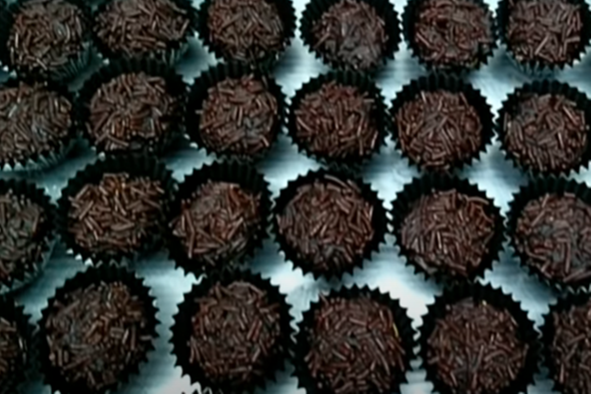 Kue kering rambutan (foto: SC YouTube CR COOK)