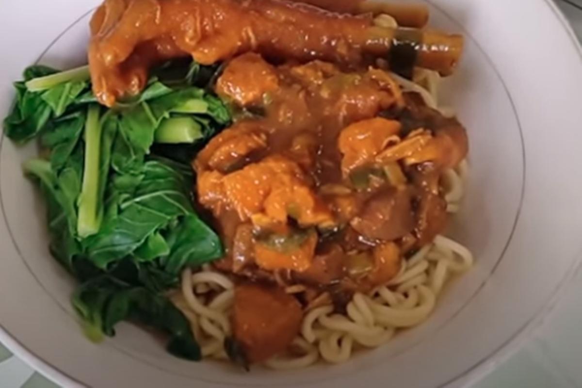 Resep Mi Ayam Ceker, Selezat Buatan Mas Pedagang, Lo