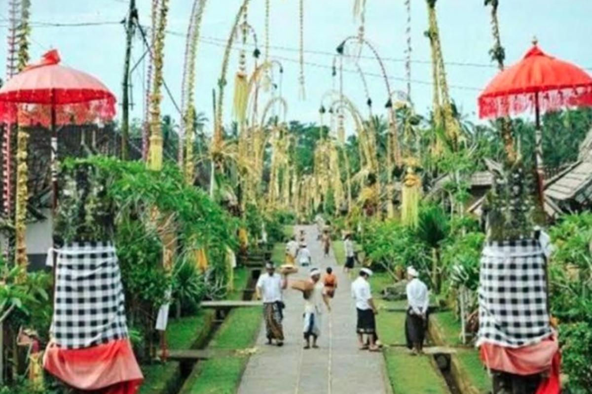 Ilustrasi. Hari ini, Rabu (14/4/2021), umat Hindu di Tanah Air merayakan Hari Raya Galungan (foto: Antara)