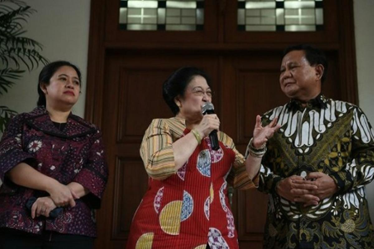 Prabowo Subianto bersama Megawati serta Puan Maharani (foto: Antara)