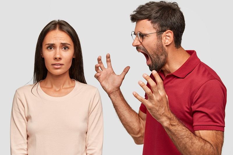3 Alasan Utama Korban KDRT Masih Bertahan dengan Pasangannya (foto: freepik)