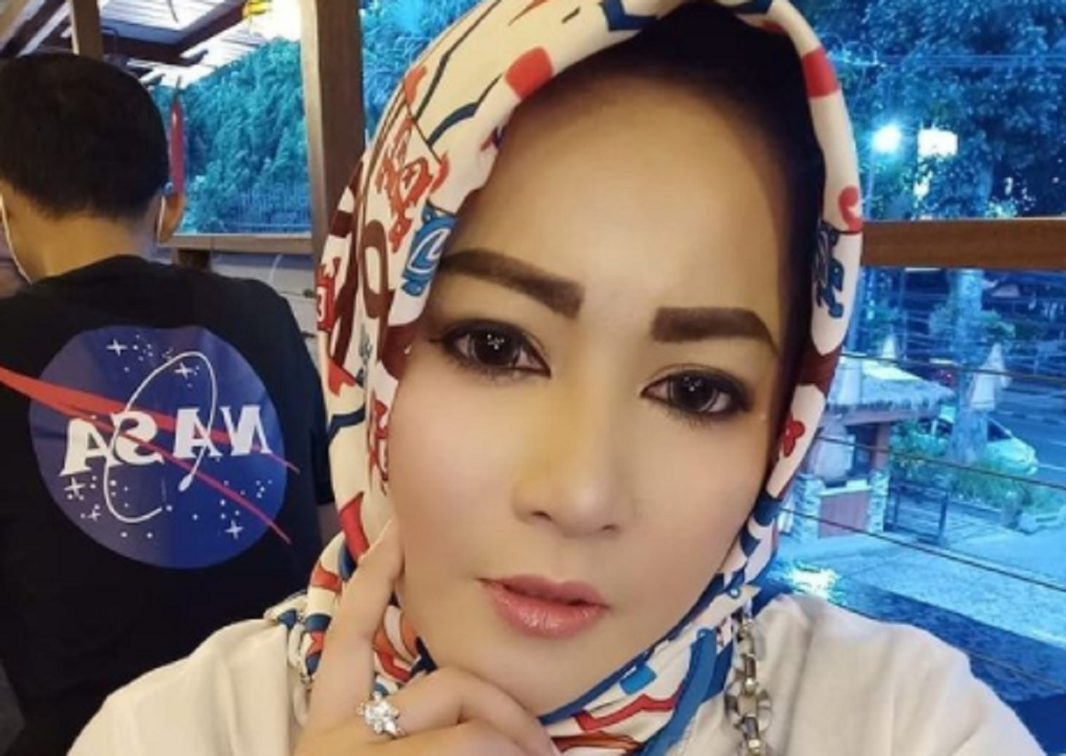 Dewi Tanjung Blak-blakan, Novel Kena Azab dan Anies Berikutnya (foto: instagram Dewi Tanjung)