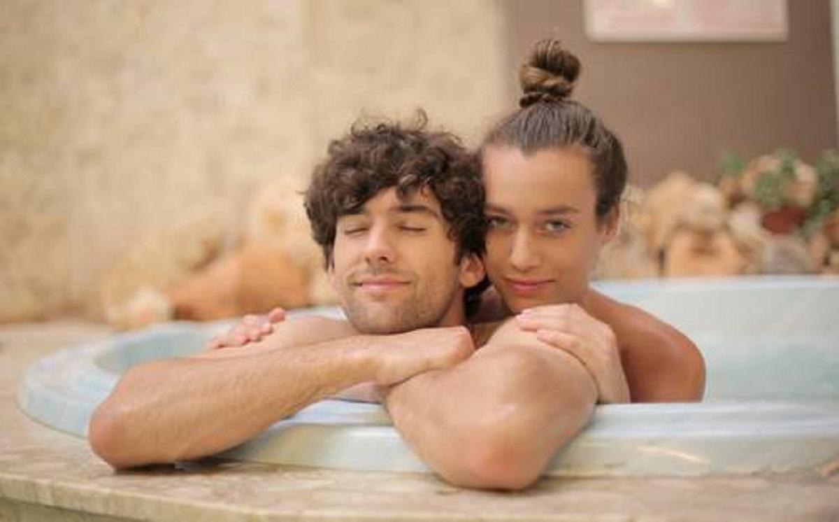 Mandi Bareng Pasangan Khasiatnya Menakjubkan, Pasti Ketagihan! (foto: Pexels)