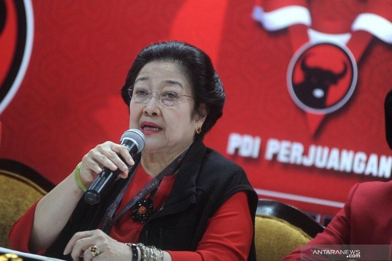 Megawati Godok Kader Muda, Pengamat Melongo, Inisial G?