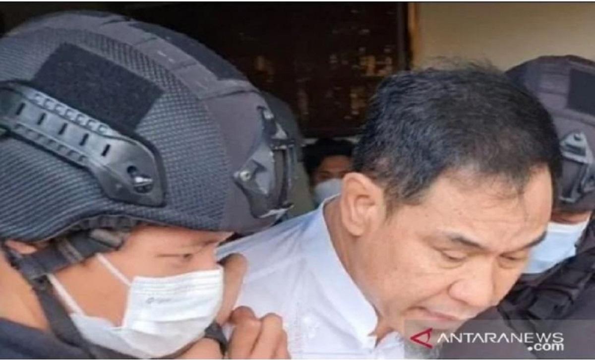 Mata Munarman Ditutup Kain Hitam, Alasannya Ternyata...(foto: Antara)