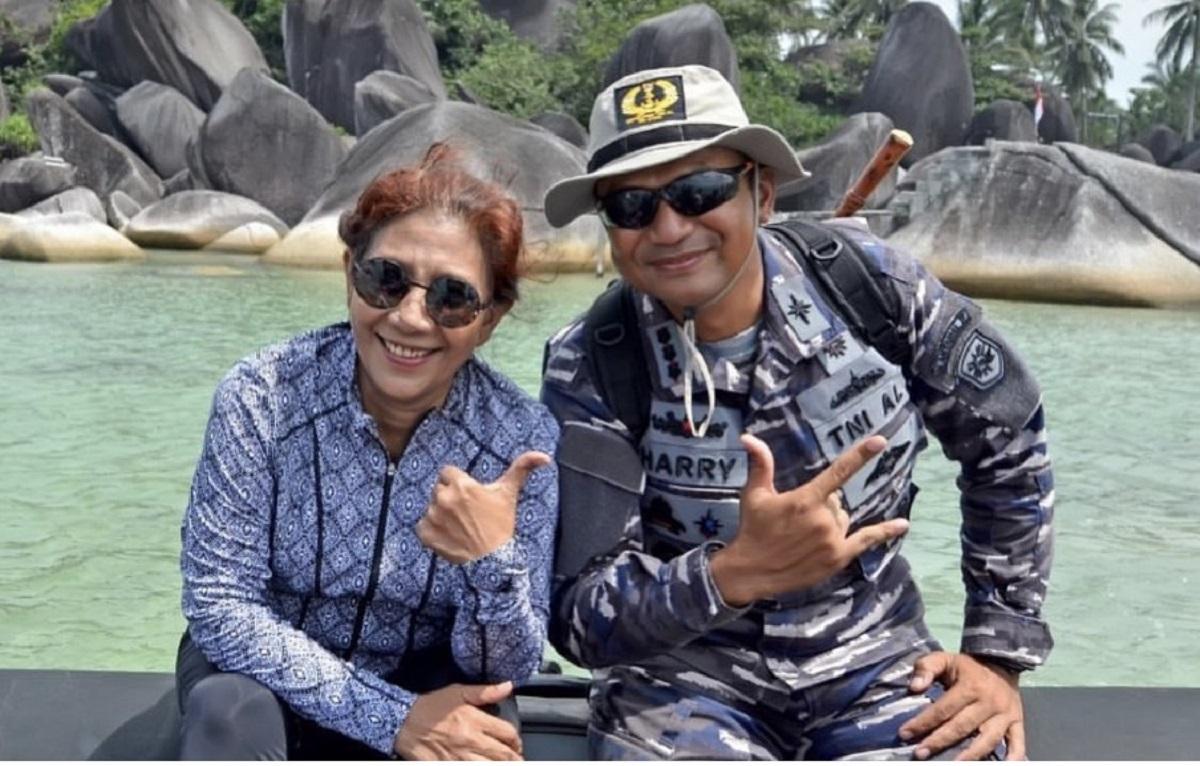 Kenang Kolonel Harry Setiawan, Unggahan Susi Jadi Sorotan (foto: twitter Susi Pudjiastuti)