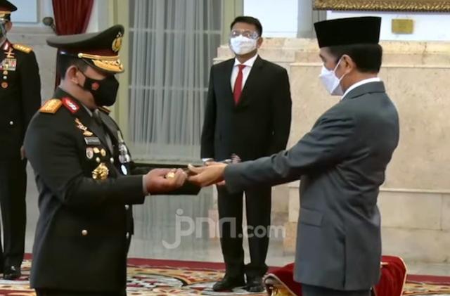 Pak Kapolri, Berani Tangkap Presiden Jokowi Nggak?