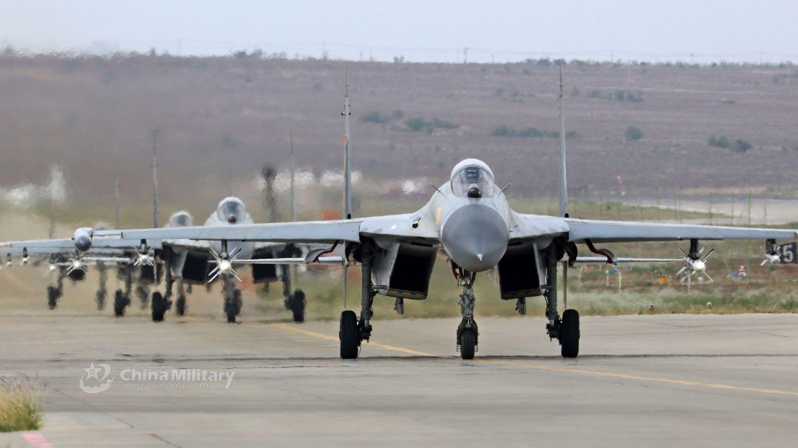 Ilustrasi: jet tempur China. Foto: .chinamil
