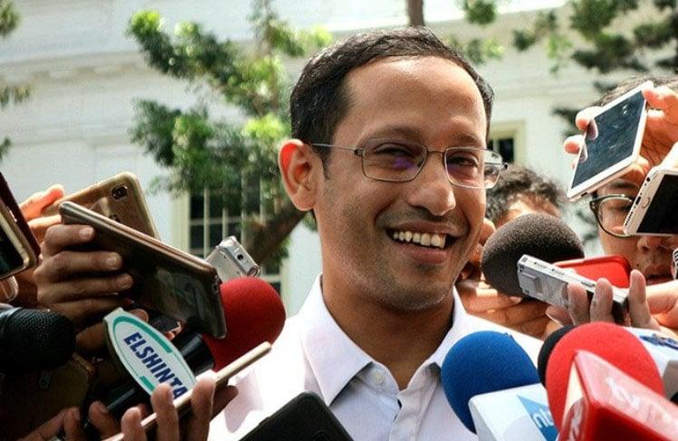 Mendikbud Nadiem Makarim berbicara kepada wartawan. ANTARA/Bayu Prasetyo/aa.