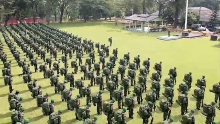 Ratusan prajurit TNI AD berjuluk Pasukan Setan dari Kodam Siliwangi, yang bakal diterjunkan ke wilayah operasi Papua khusus memburu KKB. (Foto: screenshot ig kodam siliwangi)