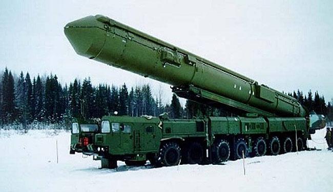 Topol-M, rudal balistik antar benua (ICBM) disiagakan Rusia di dekat perbatasan Ukraina. Foto: tonnel-ufo.ru