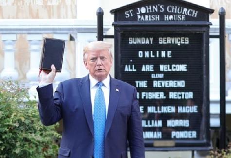 Aksi Presiden Donald Trump, Astaga...