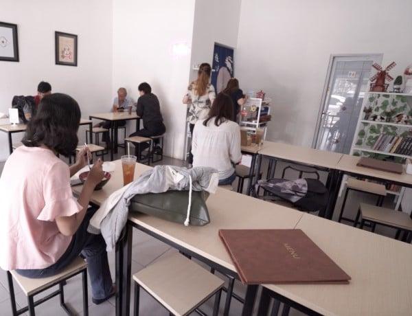 Asiknya Nongkrong Sambil Main Game di Cafe Asobi