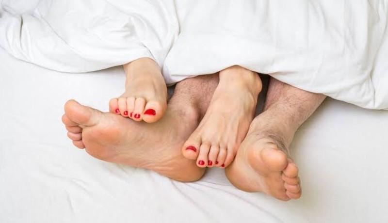 ilustrasi : Pasangan suami istri (sumber : Netdoctor com)