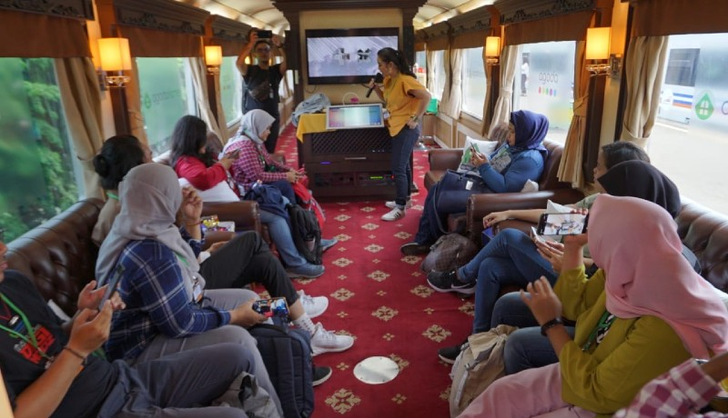 Perjalanan kereta api dengan fitur Agoda Homes Jakarta-Bandung (sumber : Inong)