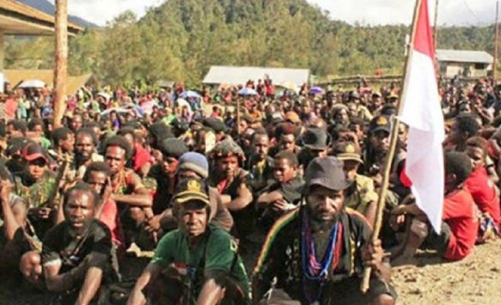 Taktik Kuno Pasukan Setan TNI Bikin KKB Teroris Papua Kocar Kacir dan Menyerah - KKB Papua kembali ke NKRI (Foto: Dispen TNI AD)