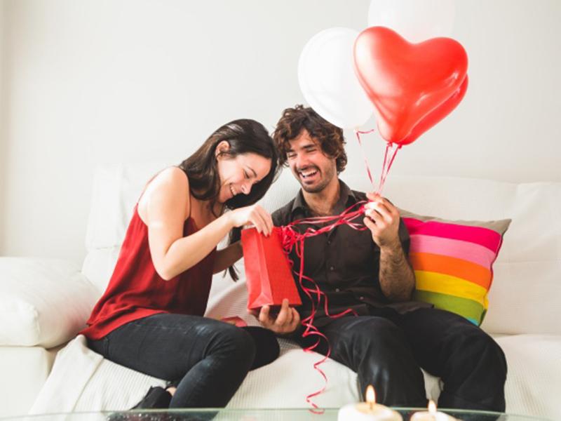 Ilustrasi kado Valentine. Foto: Freepik