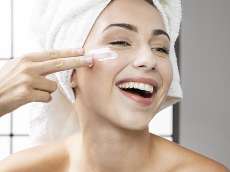 3 Rekomendasi Skincare dari Bahan Probiotik, Bikin Wajah Glowing!