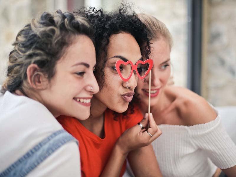Ilustrasi persahabatan perempuan. Foto: Pexels