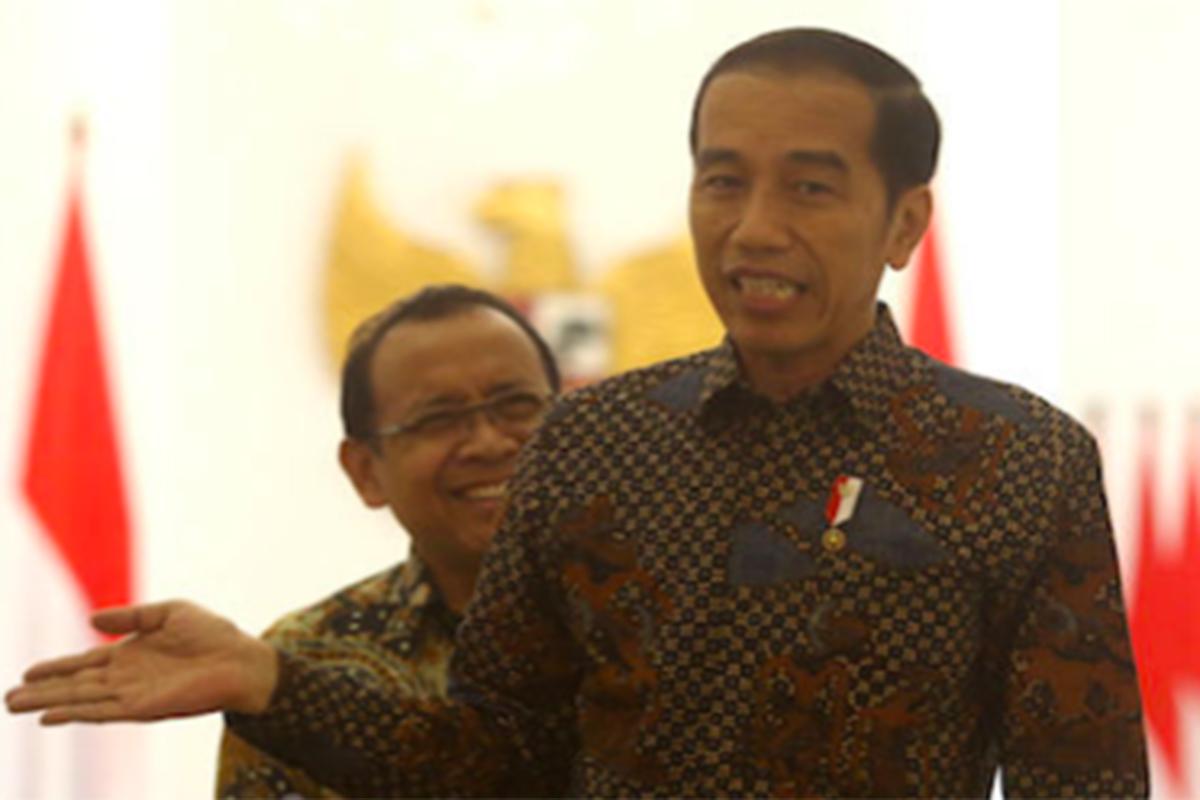 Presiden Joko Widodo dan Mensesneg Pratikno di Istana Bogor. Foto: Ricardo/JPNN.com/GenPI.co