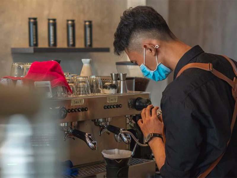 Pengolahan kopi di Blue Korintji Coffee. Foto: Instagram @bluekorintji