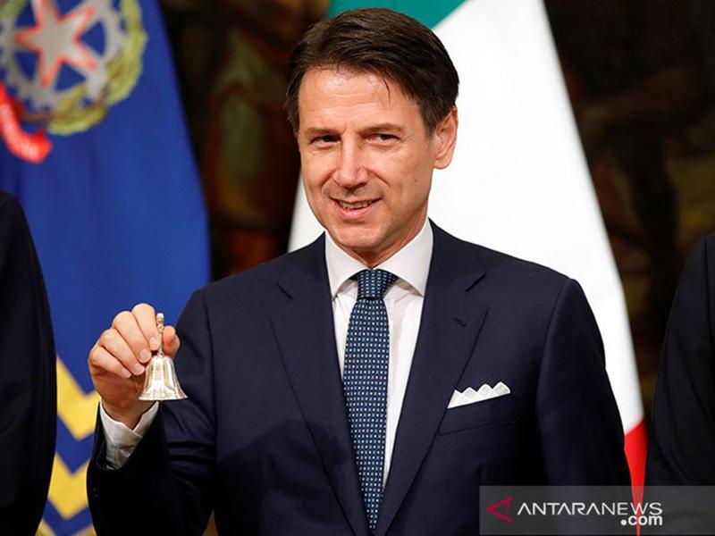 Italia Terancam Kolaps, Perdana Menterinya Siap-siap Mundur