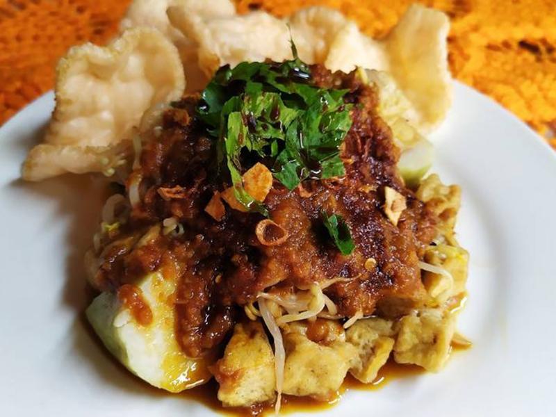 Tahu lontong khas Jawa Timur. Foto: Cookpad