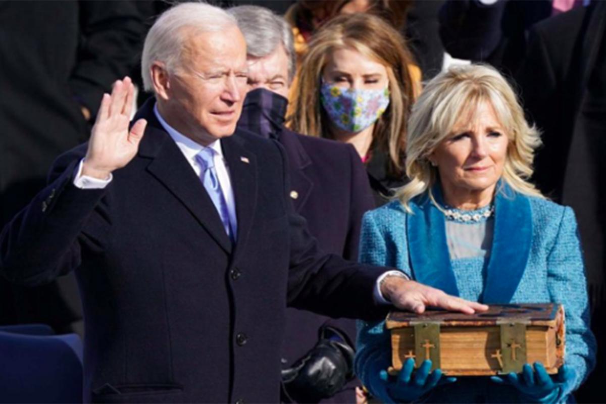 Presiden AS Joe Biden (kiri). Foto: Antara/Reuters/Kevin Lamarque