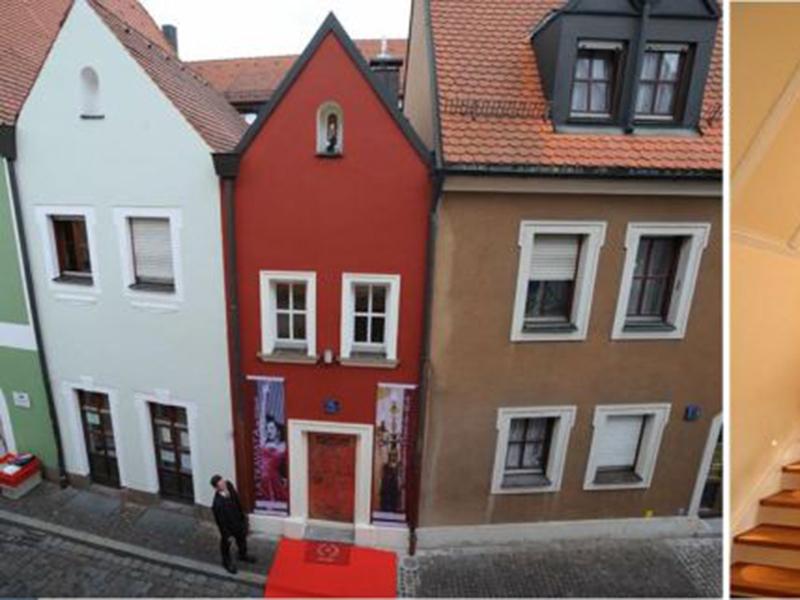 Eh'Haeusl, hotel terkecil di dunia yang ada di Jerman. Foto: Travel Republic