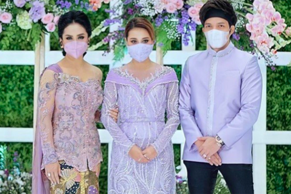 Krisdayanti bersama Aurel Hermansyah dan Atta Halilintar. Foto: Instagram @krisdayantilemos