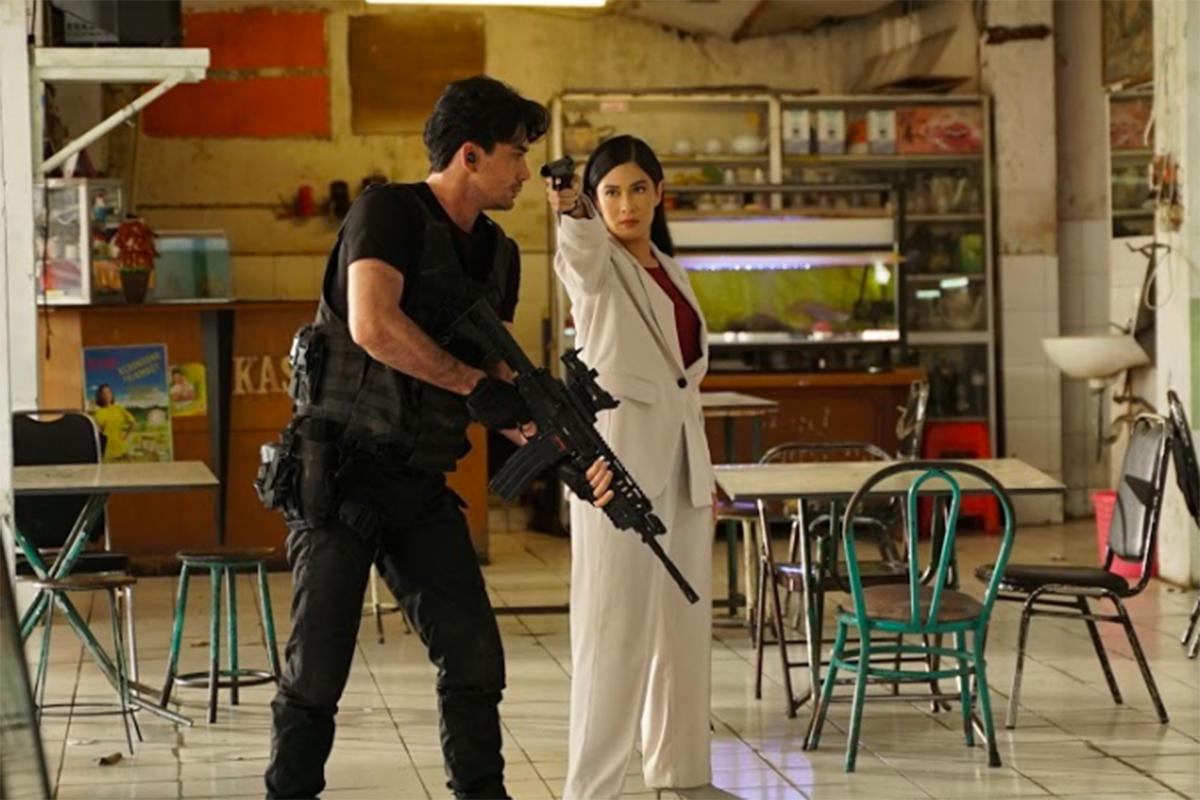 Reza Rahadian & Dian Sastro beradu akting di film Konfabulasi. Foto: Dok. Galaxy Movie Studio 2021