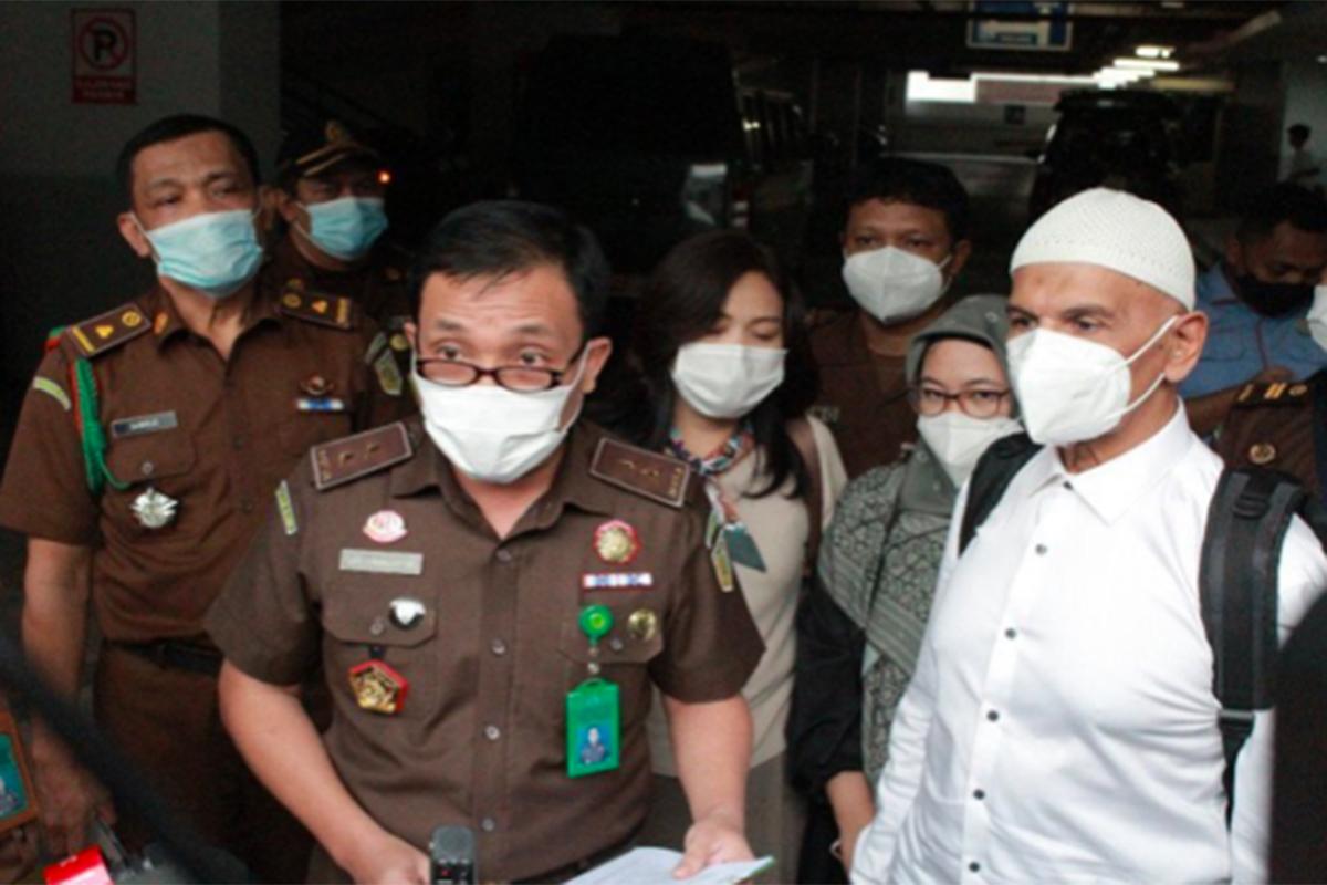 Terdakwa Mark Sungkar dialihkan statusnya menjadi tahanan kota, Rabu (5/5). Foto: Antara/Puspenkum Kejagung