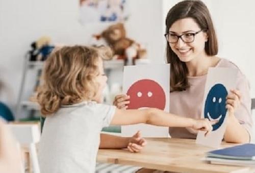 Mengajari Anak Berkebutuhan Khusus Di Tengah Wabah Virus Corona