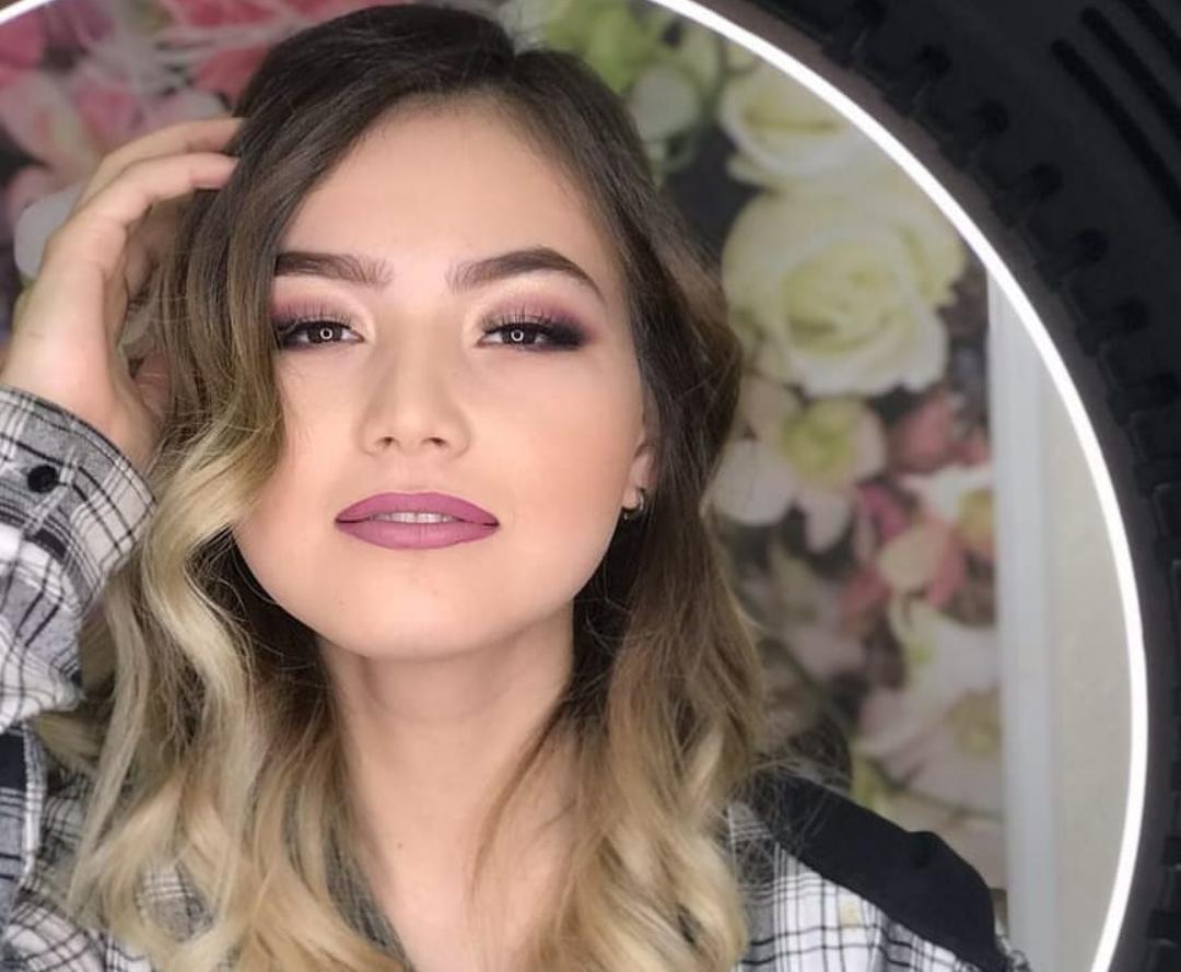 Wanita Uzbekistan Cantik Banget, Ternyata Ini Penyebabnya