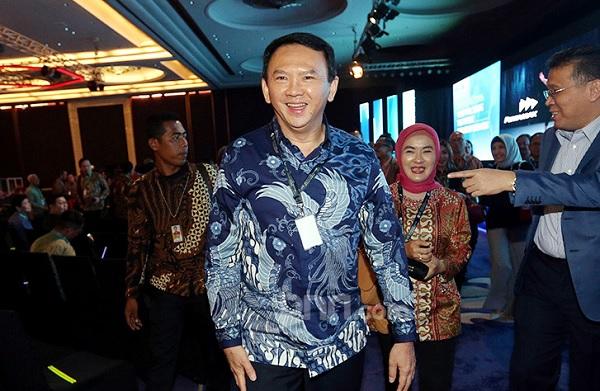 Komisaris Utama Pertamina Basuki Tjahaja Purnama usai menghadiri Pertamina Energy Forum, Jakarta, Selasa (26/11). (Foto: Ricardo jpnn)