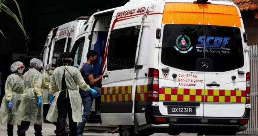 Anggota medis Singapura di tengah penyebaran penyakit virus corona (COVID-19). ANTARA FOTO/REUTERS/Edgar Su/hp/cfo