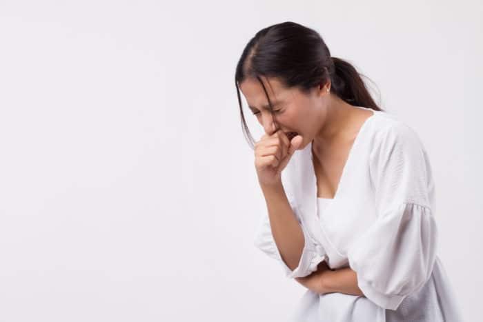 ILustrasi batuk-batuk. Foto: Shutterstock
