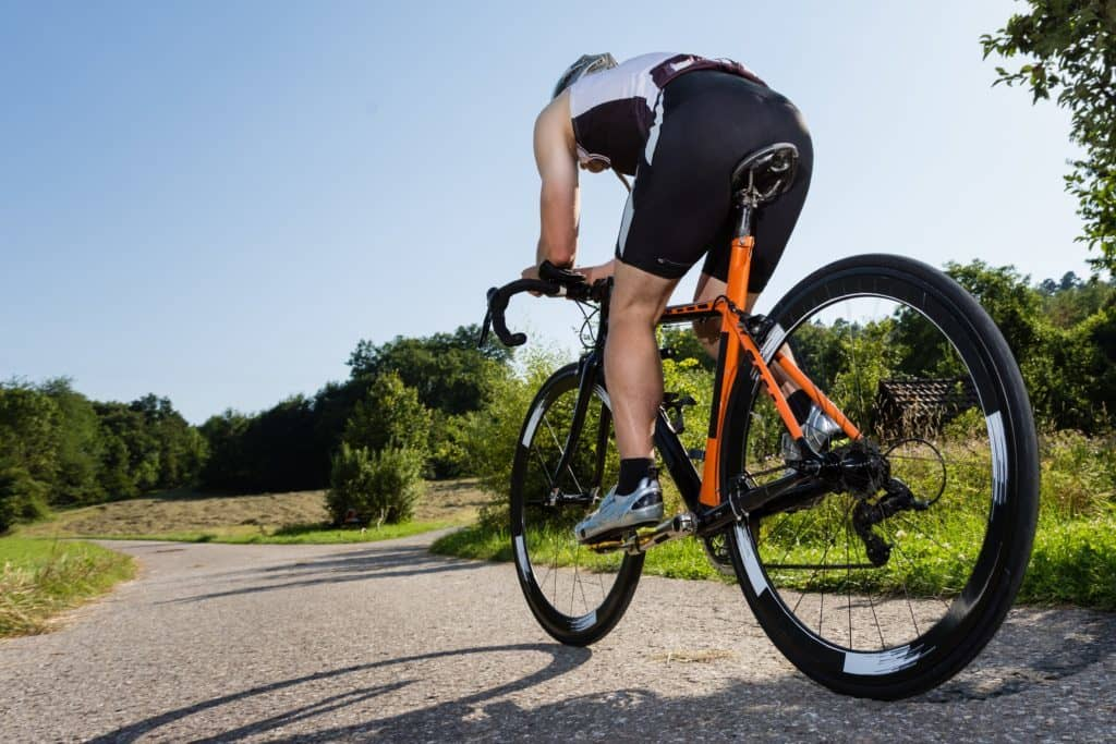 Hati-Hati, Risiko Serangan Jantung Saat Bersepeda untuk Pemula. Foto: Hellosehat