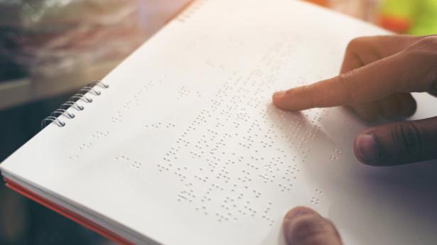 3 Fakta Tentang Huruf Braille, Ternyata Sempat Dilarang