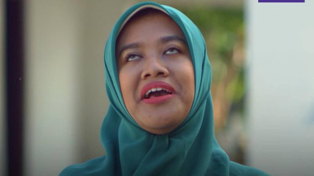 Siti Fauziah pemeran Bu Tejo dalam film Tilik. Foto: IG @ozie_zie