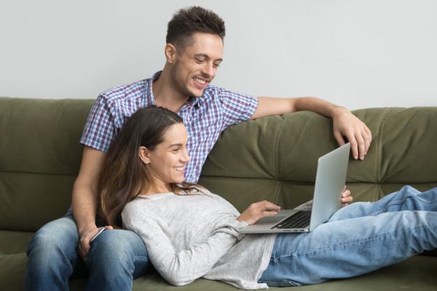 4 Cara Menghilangkan Kebosanan pada Hubungan Kamu dan Si Dia. Foto: Hellosehat