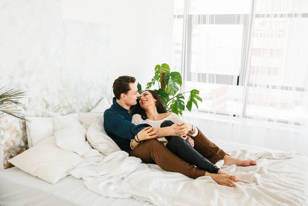 Ilustrasi pasangan bahagia. Foto: Hellosehat
