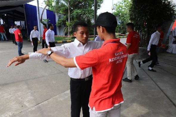 Pemeriksaan peserta CPNS Kanwilkumham Jatim (Antarajatim/Kanwilkumham Jatim/IS)