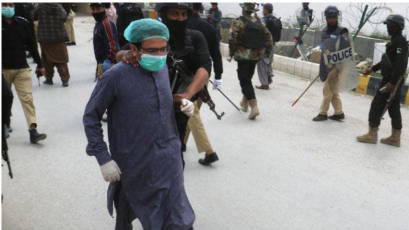 Pakistan Aneh, Dokter Malah Ditangkap Polisi